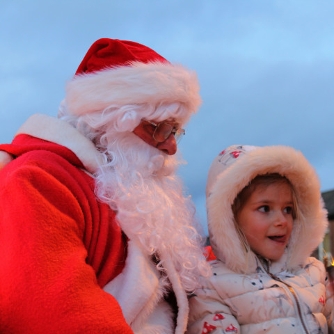 RT Santa_Dec15_25